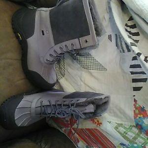 Never worn UGG waterproof boots size 10 ladies